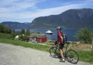 Hardanger: Norske-bygdeopplevelser AS, 2014