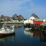 1024px-Husøya_harbour_02