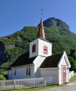 545px-Stave_church_Undredal_north_side_1