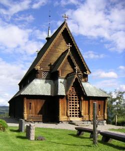 800px-Reinli_Stavkyrkje,_Sør-Aurdal