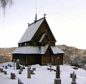 800px-Reinli_stavkirke,_vinter