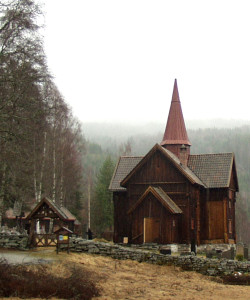800px-Rollag_stave_church_1