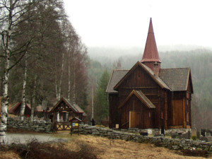800px-Rollag_stave_church_2