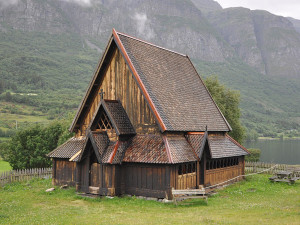 800px-Stave_church_of_Øye